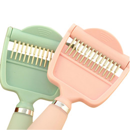 Wholesale Paw Pals in Deshedding Tool w Shed Blade Rake Shedding Brush for Dogs Cats of All Sizes Fur Length Hair Remover to Alleviate