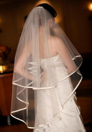 New Romantic In Stock Satin Edge With Comb 2T Lvory White Wedding Veil Fingertip Bridal Ve
