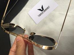 Wholesale 2016 New Gentle Monster star with sunglasses fashion sunglasses UV400 UV polarizer glasses unisex Gold Silver