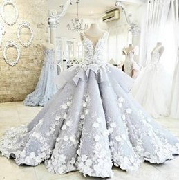 2016 Hot maktumang Gorgeous Wedding Dresses Sheer Neck Embroidery Appliques Flowers Special Wedding Gowns Peplum Chapel Train Bridal Dress