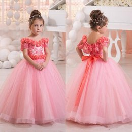 2017 New Pink Off Shoulder Flower Girls Dresses Tulle Beaded Short Sleeves Princess Bow Kids Formal Wear Toddler Girl's Pageant Dresses