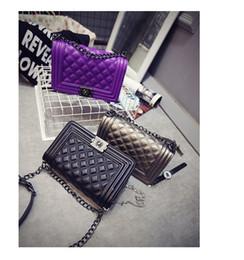 2017 chain bag women s handbag 2016 Rue Sacs snap Candid Fourre-tout gratuites Femmes Mode Livraison (5 couleurs pour le ramassage) Jelly Clutch Chain Shoulder Bag Club de sacs à main ZJ03 chain bag women s handbag promotion
