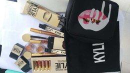 Wholesale stock Kylie Jenner Make Up Bag Birthday set