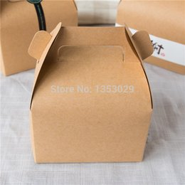 Wholesale Brown White Kraft Paper Cake Box With Handle Wedding Party Favor Boxes Good For Handmade Cookies Baking Gift Packing Box