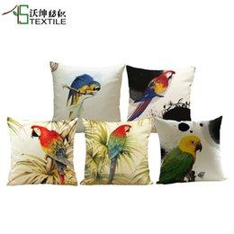 Wholesale New Arrival Bird Cushion Parrot Throw Pillows Case Polyester Cotton Linen Pillowcase Animal Cojines Capa Para Almofada