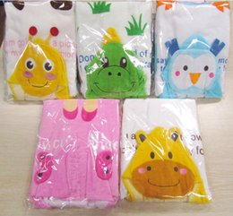 Wholesale Cute Boys Bath - Winter Kids Cartoon Swim Towels Cute Kids Keep Warm Bath Towels Bees Cloak Animal Print Angle Bathrobe Cotton Poncho Hooded Robe