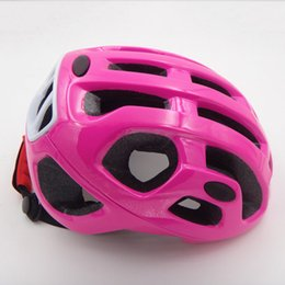 Wholesale Hot Cycling Equipment Ultralight Bicycle Helmet MTB Mountain Bike Cycling Helmets Ciclismo Capacete Los cascos para bicicleta