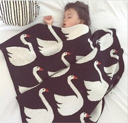 Wholesale 100 Cotton Swan Blankets For Bedding Child Kids Knitted Baby y portable rug for travelling airplane blanket