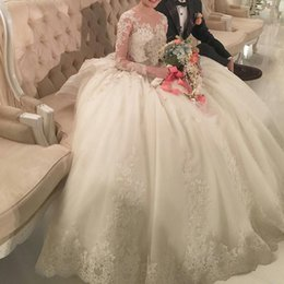 Wholesale Vintage Luxury Wedding Dresses Illusion Crew Neck Long Sleeves D Floral Lace Appliques Beades Dubai Big Ball Gowns See Through Back