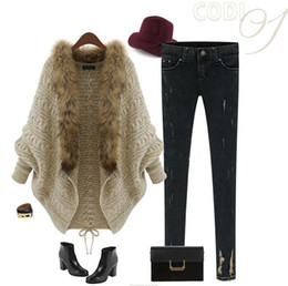 Wholesale Hot Sale Fall Winter Cardigan Poncho Fur Collar Outerwear Women Sweater Knitted Brand Casual Knitwear Jacket Christmas Wear OXL988