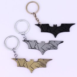 Wholesale Top Quality The Dark Knight Mask keyring color Bats dart Marvel Superhero Batman Keychain Metal Figure Toy Pendants gifts