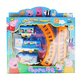 Wholesale Zorn toys Peppa Pink Pig Railcar Pager Pig Train Railway Train Set Electric rail car kids toys
