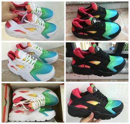 Wholesale Plus nouveau style Huaraches noir blanc Rainbow Running Shoes pour hommes Femmes mode Air Huarache Sneakers Athletic Trainers Eur taille