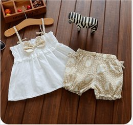 2016 New Lovely Girl Summer Clothing Sets Children White Bowknot Sun-Top+Shorts 2pcs Set Kids Casual Outfits Korean Style Baby Girls Suit