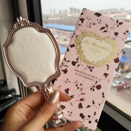 Wholesale les Merveilleuses LADUREE Antique style HAND MIRROR N Cameo Porcelain Design Beauty Cosmetics Makeup Blender DHL