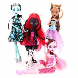 Araignées noires à vendre-4 Style Monster Haute Doll Draculaura Clawdeen Wolf Frankie Stein Noir Spider Moveable Body Fashion Toys