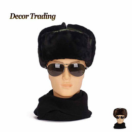 2017 sombreros trampero Al por mayor-NUEVOS 2015 hombres de invierno de los hombres calientes del bombardero de las gorras casquillo de la protección auditiva de Rusia Trapper aviador Trooper con orejeras sombrero al aire libre del deporte de la nieve sombreros trampero baratos