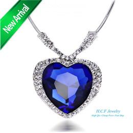 2016 Top Titanic Corazón De Colgantes De Océano Zafiro Fine Jewelry Gran Collar De Corazon AAA Zircon Fashion Crystal Jewelry desde colgante de zafiro titánica proveedores