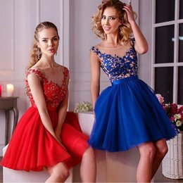 Promotion robes en tulle sans manches 2016 Bleu Rouge courtes Robes dentelle Applique manches Cheap Mini cocktail courte Robes de bal Robes pour les filles Custom Made
