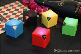 Wholesale Mini Small Speaker Bluetooth Magic Cube Bass Subwoofers Memory Card Gift Speakers Wireless for Mobile Phone with Retail Package