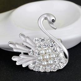 Fashion New Gold Silver Vintage Brooch Pins Female Brand Jewelry Elegant Swan Brooches Rhinestone For Women Christmas Gift