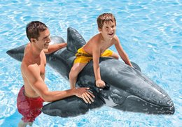 Wholesale floating and draining on the drifting surf board inflatable realistic whale mounts swimming laps
