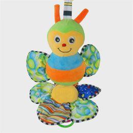 Promotion poussette bébé insecte Main hochets Musical Cartoon Bee Insect Series doux en peluche de Bell Hanging Berceau Poussette Enfants Jouets Pour Grip enfant Infant
