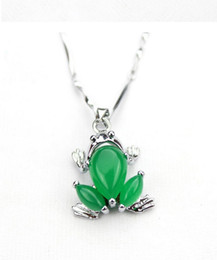 Malay Jade Inlaid Frog (with Pendant Necklace) Factory direct sales promotion fashion necklace gifts for wife