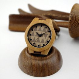 Femmes 100% fait main en bambou Les bracelets en bois avec une véritable cuir de vachette Lovers Luxury Bois Montres Idée Cadeaux à partir de bracelets en bois faits à la main fournisseurs