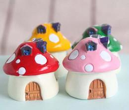 Wholesale 2016 resin red dots mushroom house fantasy miniatures lovely animals fairy garden gnome moss terrarium decor crafts bonsai