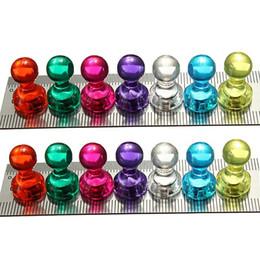 Promotion aimant néodyme forte Hot Sale 2015 couleur New 14pcs Punaises magnétiques néodyme forte noticeboard quilles hommes / pin aimants pour réfrigérateur Whiteboard DIY