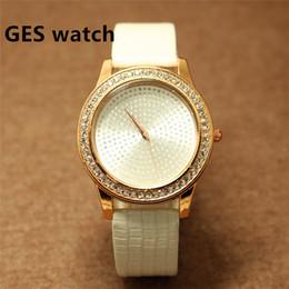 Hommes robe gros de montre à vendre-Vente en gros de cuir de haute qualité cuir toutes les femmes en cristal montre hommes hommes occasionnels métal avec bijoux montre-bracelet
