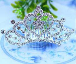 Acheter en ligne Fille accessoires pour cheveux clips-Diamond Princess Crown Comb strass Crystal Tiaras Couronne Clip The Accessoires cheveux Épingle For Girls nuptiales