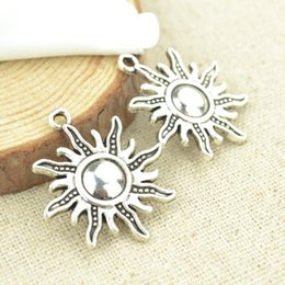 wholesale 70pcs Vintage silver plated sun charms metal pendants for bracelets & necklace diy jewelry findings 28*25mm 2354
