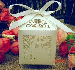 2016 New Laser Cut Bridegroom and bride Wedding Box in Pearl candy paper box wedding party show candy box gifts Box(with ribbon)