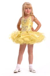 2016 New Spring Girl's Pageant Dresses Cute Light Yellow Halter V-Neck Beaded Rhinestone Cupcake Dresses Birthday Wedding Toddler Dresses