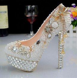 2017 perles de diamant hauts talons Diamant Crystal chaussures de mariage gland blanc perles chaussures habillées bout rond perles de diamant hauts talons sortie