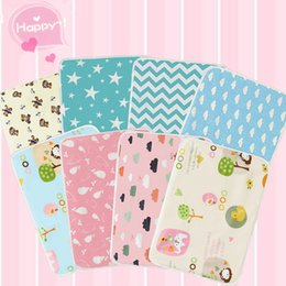 Wholesale 3 New Arrivel Absorbent Changing Portable Mat Baby Diaper Waterproof Baby Infant Bedding Changing Nappy Cover Pad Cover