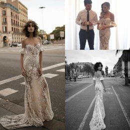 Wholesale Liz Martinez Spring Amazing Vintage Lace Off shoulder Mermaid Wedding Dresses Real Buyer Show Beach Party Wedding Gown with Sleeves