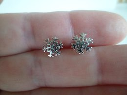 10Pair- S035 Tiny Snowflake Stud Earrings Cute Winter Snow Stud Earrings for Women Christmas Holiday Jewelry Gifts