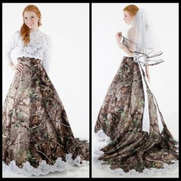 2020 Modest Camo Wedding Dresses with Detachable Wrap Lace Long Sleeves A Line Forest Camouflage Plus Size Bridal Gowns