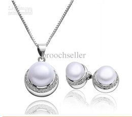 White Gold Plated Pearl and CZ Rhinestone Crystal Bridesmaid Pendant Necklace and Stud Earrings Jewelry Set for Wedding