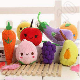 Wholesale 6 cm Fruit Vegetables Designs Plush Pendant Toys Of Children Kids Squeaky Squeaker Car Cell Phone Bag Key Rings Keychain CCA4936