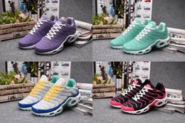 Wholesale Women s Max TN Ourdoor Running Shoes Top Quality Nanotechnology KPU Material Classical Durable Air TN Sport Sneakers Size