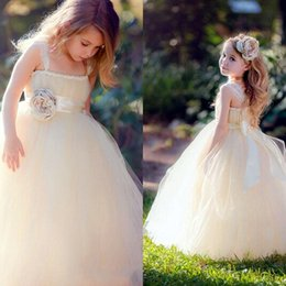 Lovely Flower Girl Dresses Children from Eiffelbride with Beautiful Hand-made Flowers and Princess Puffy Tulle Pageant Girls Dresses