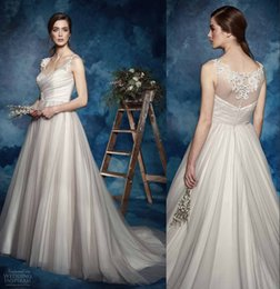 Wholesale Amanda Wyatt Gorgeous Appliques Queen Anne Neckline Tulle Wedding Dress Ball Gown Dress with Hand Made Flowers