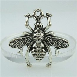 Wholesale 14786 Alloy Antique Silver Vintage Animal Bee Fly Hornet Pendant Jewelry