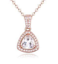 Necklaces Pendants 18K Gold Plated Fashion Women High Quality Zircon Triangle Pendant Necklaces Jewelry Wholesale Drop Shipping TN010