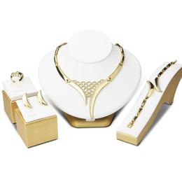Assiettes en porcelaine pour à vendre-Placage Ensembles de bijoux en alliage Mois Moyen-Orient Europe American Fashion Exaggeration Jewelry Factory Vente en gros en provenance de Chine Livraison gratuite
