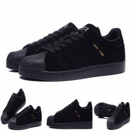 Wholesale 2016 superstar men shoes flats skateboard shoes TOKYO LONDON PARIS NEW YORK SHANGHAI BERLIN CITY fast shipping